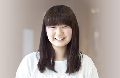 人間総合学科 2年 橋本 美里さん